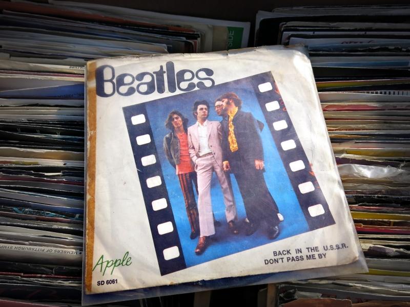 8528141-the-beatles-pa-skiva