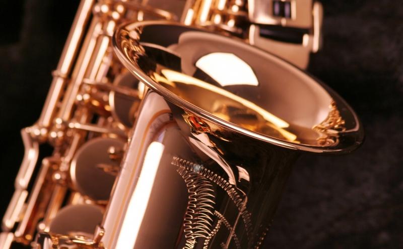 956158-saxophone
